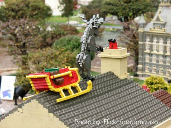 Holidays at Theme Parks: MiniLand Santa