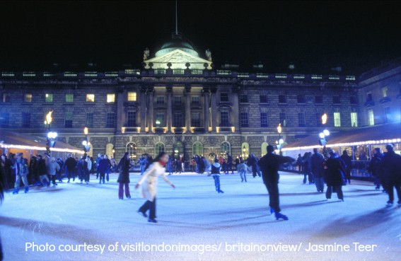 Christmas in London: Skating on the ice rink in the courtyard of Somerset House
