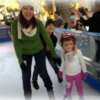 Outdoor-ice-skating-kids-trekaroo