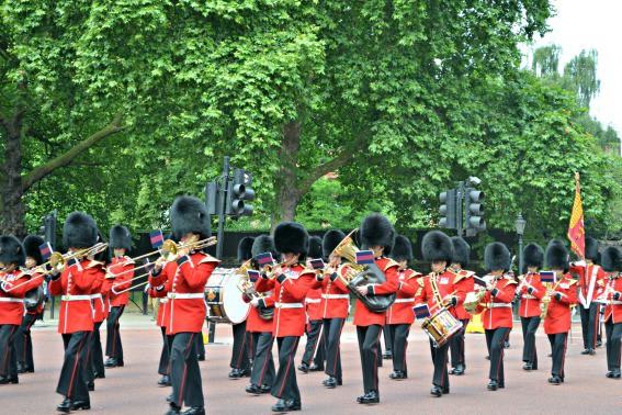 London Buckingham Palace Guard Band