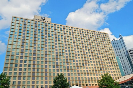 top family friendly hotels in pittsburgh trekaroo. Black Bedroom Furniture Sets. Home Design Ideas
